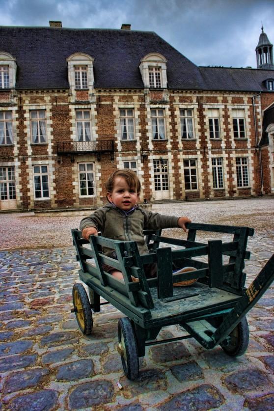 Chateau dEtoges 01