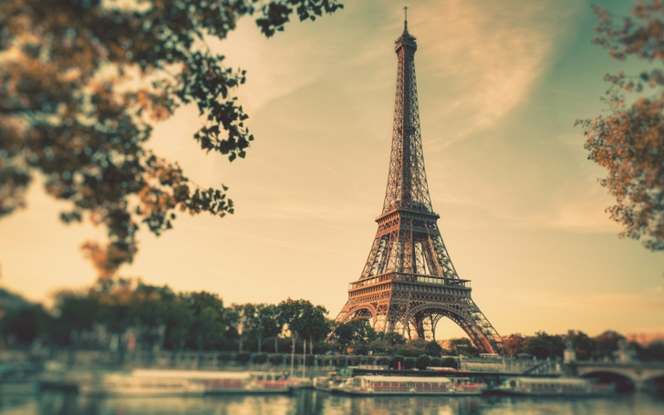 eiffel tower paris vintage boats duplicate 1680x1050 wallpaper_www.wallpaperfo.com_90