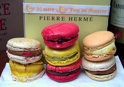 pierre-herme-macarons1